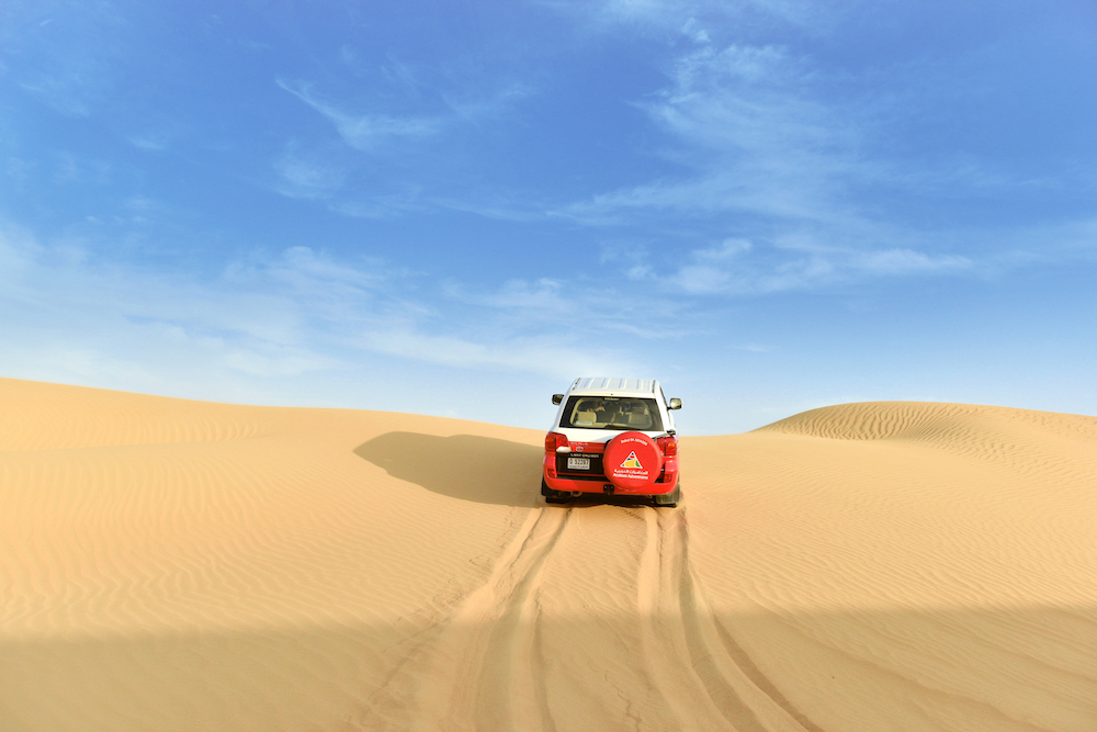 best desert safari in dubai, abu dhabi, uae